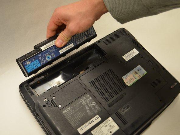 مرحله درآوردن باتری لپ تاپ