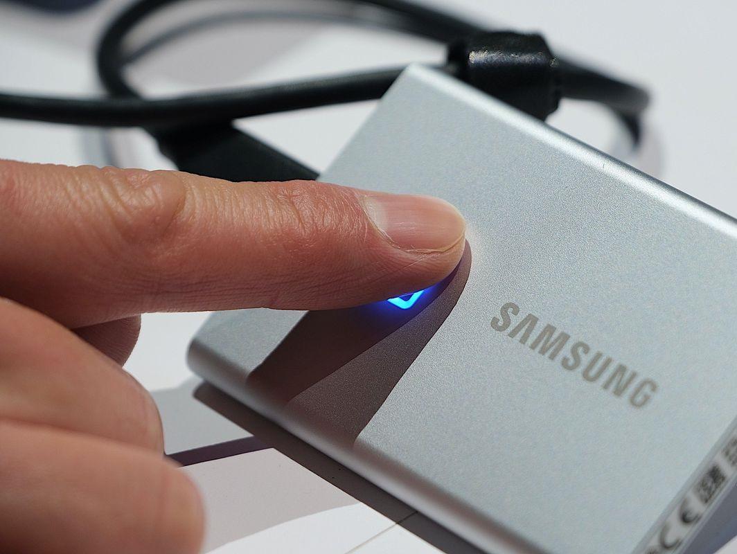 نقد و بررسی هارد قابل حمل سامسونگ مدل Samsung T7 Touch SSD