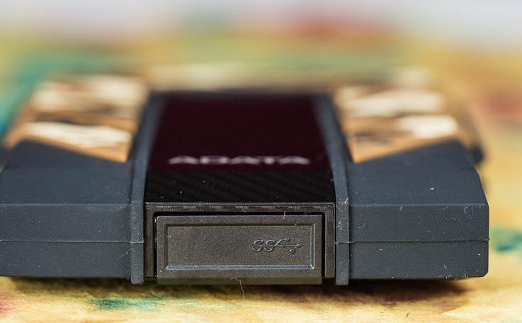نقد و بررسی هارد اکسترنال و قابل حمل ای دیتا مدل HD710M Pro