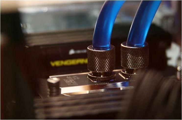 خنک کننده CPU – خنک کننده پردازنده آبی در مقابل خنک کننده پردازنده هوا